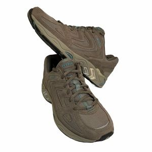 RYKA Women's Country Walking Suede Shoes Size 10